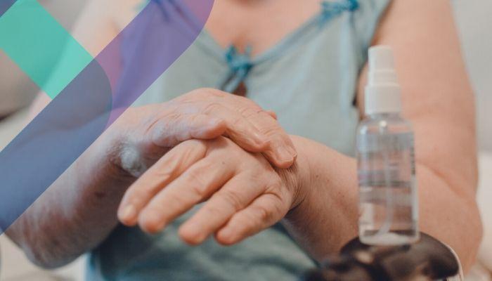 Alerta Coronavirus: 13 respuestas que debes saber si cuidas de un adulto mayor