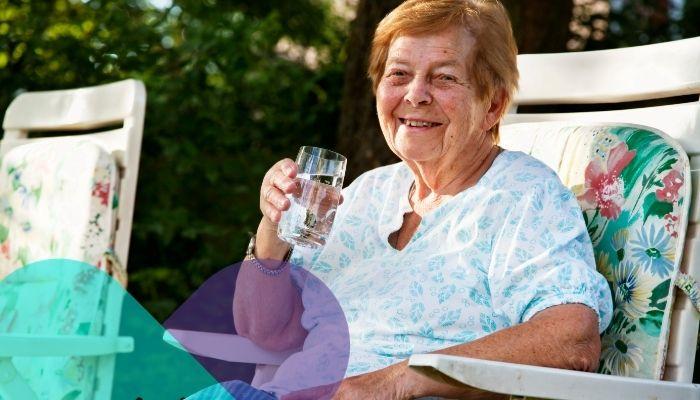 7 Recomendaciones para evitar deshidratación en el adulto mayor