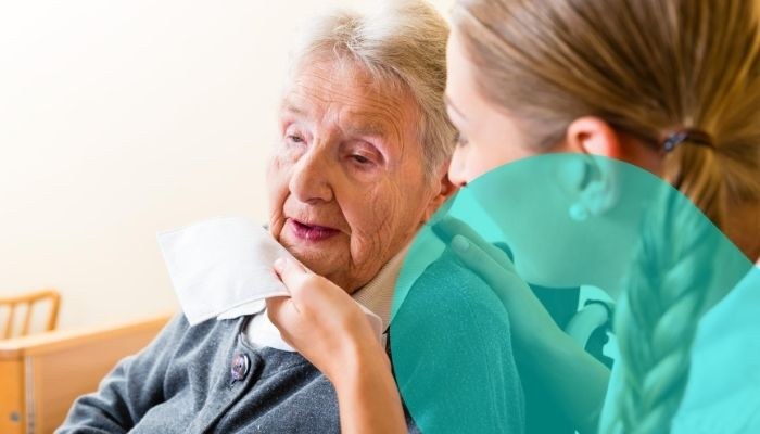 ¿Cómo saber si debo contratar o no a un cuidador de ancianos? Respóndete estas preguntas…